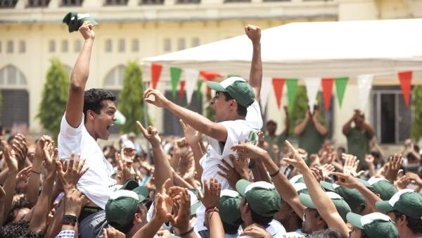 Million-Dollar-Arm_the-celebration